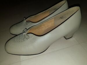 Ladies Taupe Stone Colour Leather Orthopedic Shoes With Low Heel Sz7