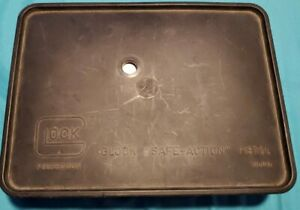 GLOCK 19 Factory OEM TUPPERWARE Box Used 9mm WITH MANUAL & LOADER