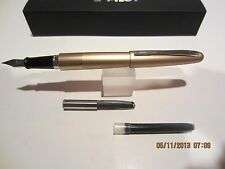 Pilot Metropolitan Fountain Pen- GOLD Plain MEDIUM NIB-Cartridges+Converter