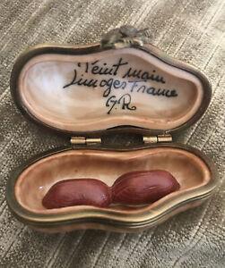 Vintage Peint Main Limoges France Peanut Trinket Box w/Peanuts Very Good