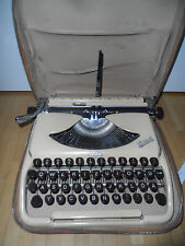 25155 Typewriter portable Groma Kolibri flat typewriter 1961 brown beige jaune