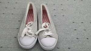 Ladies size 3 casual shoes