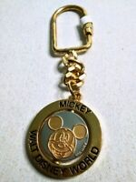 Vintage Walt Disney World MICKEY MOUSE Spinning Winking Coin Keychain RARE