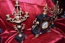 Orologio con candelabri in bronzo e marmo Napoleone III marchiato con chiave