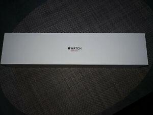 Apple Watch (Series 3)  38 mm - Aluminium Gris sidéral