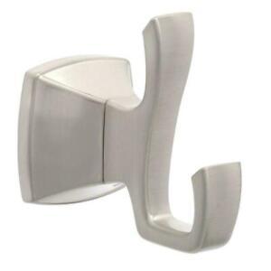 Pfister Venturi Robe Hook in Spot Defense Brushed Nickel
