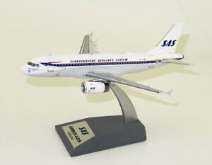 JFOX JFA319003 1/200 SAS AIRBUS A319-131 OY-KBO RETRO LIVERY WITH STAND