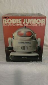 TANDY ROBIE JUNIOR INTELLIGENT ROBOT NOS 100% COMPLETE WITH ORIGINAL PACKAGING