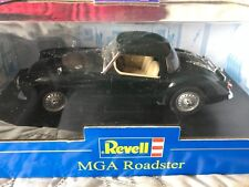 Revell 1/18 Scale Diecast - 08443 MG MGA Roadster Hardtop green