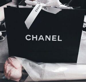 CHANEL Black Paper Gift Shopping Gift Bag