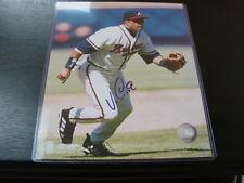Vinny Castilla Autograph / Signed 8 x 10 Photo Atlanta Braves