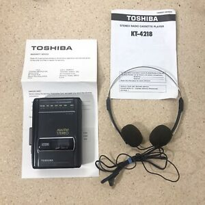 Toshiba KT-4218 AM/FM Stereo Radio Cassette Player Used With HR-M32 Headphones