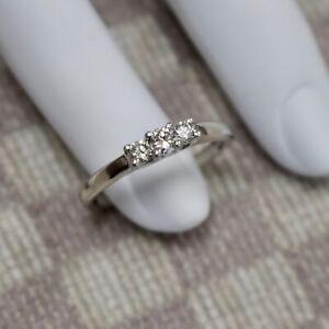 MAGICGLO MILLENNIUM THREE STONE DIAMOND RING (white gold & platinum)
