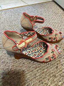 Anthropologie Miss L Fire Cherry Wedge Shoes Size 40 (9.5) NWOB