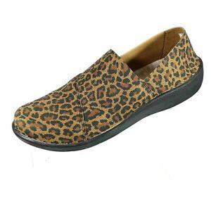 Clarks Cloudsteppers Leopard  Shoe - 10 - Cute!