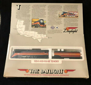 Bachman HO Gauge Southern Pacific Daylight 4449 Engine & Tender