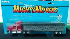 Camion International con Trailer - ERTL Mighty Movers in Scala 1:64