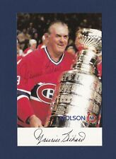 Maurice Richard signed Montreal Canadiens team issued hockey postcard