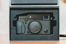 Top! Fujifilm X-Pro1 in sehr gutem Zustand mit wenigen Auslösungen