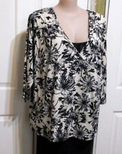 LADIES PLUS SIZED 26 BLOUSE 3/4  LONG SLEEVED FLORAL TARGET LABEL V NECKED