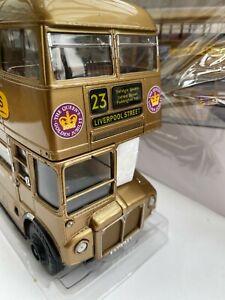 ROUTEMASTER RM ARRIVA QE.II 50th Anniversary D/D bus 1:24th SUNSTAR 2942 DAMAGE