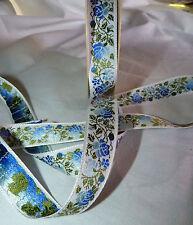 Ruban galon tissé fleurs bleues sur fond blanc larg 18 mm vendu par 2 m -RF11-