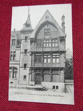 Amiens - La Maison de Bois - Place Notre Dame