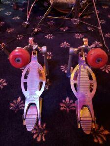 Ludwig speed king pedal pair.
