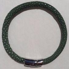 GREEN STINGRAY LEATHER BRACELET MAGNETIC LOCK 21cm