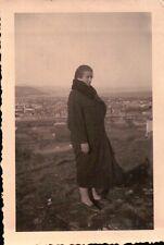 FOTO DONNA SUL MONTE DI PUNTA SAN MARTINO ALBENGA ANNI '20 C6-477