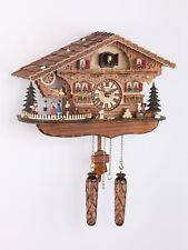 Schwarzwald Kuckucksuhr Quarz in Hausform bewegliche Tanzfiguren Musik NEU