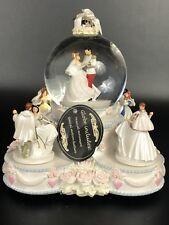 Disney Princesses Wedding Cake Animated Musical Snow/Water Globe
