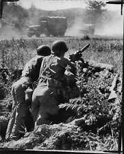 Machine Gun Guards Road To Peace Talks 1951 Korea War Press Photo