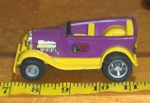 Vintage 1970s Tonka Draggin Wagon Car Purple and Yellow Pressed Steel truck