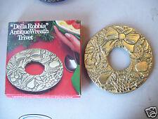 Della Robbia Trivet Christmas Wreath with fruit A Godinger Original Silverplate