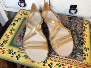 Crocs Women's Isabella Gold  Strappy Sandal/Shoes Sz 8 Excellent condition!!