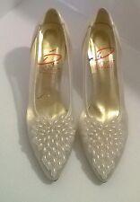 Vintage Pumps von Pierre Perle Satin Cremeweiß Damen Heels 7 1/2 gut getragen