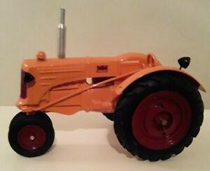 Minneapolis Moline Tractor 1/16 Die Cast