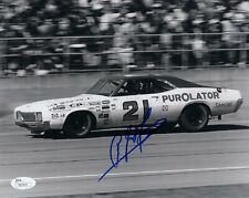 A.J FOYT HAND SIGNED 8x10 PHOTO     RACING LEGEND IN 21 CAR    GREAT POSE    JSA