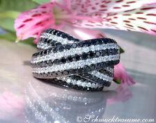 Stattlicher Brillanten Ring mit schwarzen Diamanten, 3.73 ct. WG-750, 11.000,--€