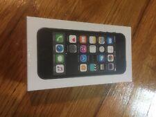 Apple iPhone 5s - 16GB - Space Gray (Straight Talk) A1533 (CDMA + GSM)