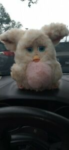 Furby 2005 model 59294 HASBRO RARE PINK BELLY BLUE EYES WORKING
