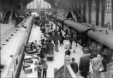 CP - Le Hall des trains de la Gare Maritime de Cherbourg  en mai 1962