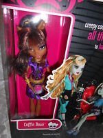 Monster High Coffin Bean Set and Clawdeen Doll