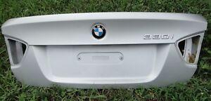 04 330 BMW E90 3-Series SILVER SEDAN TRUNK LID Deck Boot Panel Cover