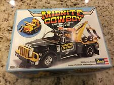 Revell Midnite Cowboy Chevy Wrecker Tow Truck Model Kit 1/25 H-1383 Model kit