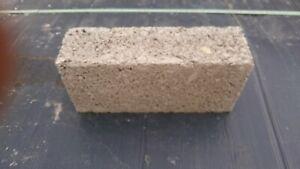 Concrete building bricks or concrete common