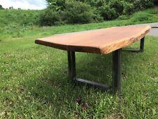 Couchtisch aus Eiche und Stahl - 25 Jahre abgelagert! Tisch mit Baumkante