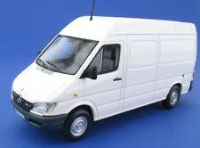 MINICHAMPS - Mercedes-Benz SPRINTER - weiß, white - in OVP /Box - 1:43 B67871062