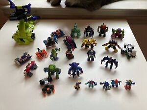 Z-Bots Lot, 25 figures and 1 vehicle-USED